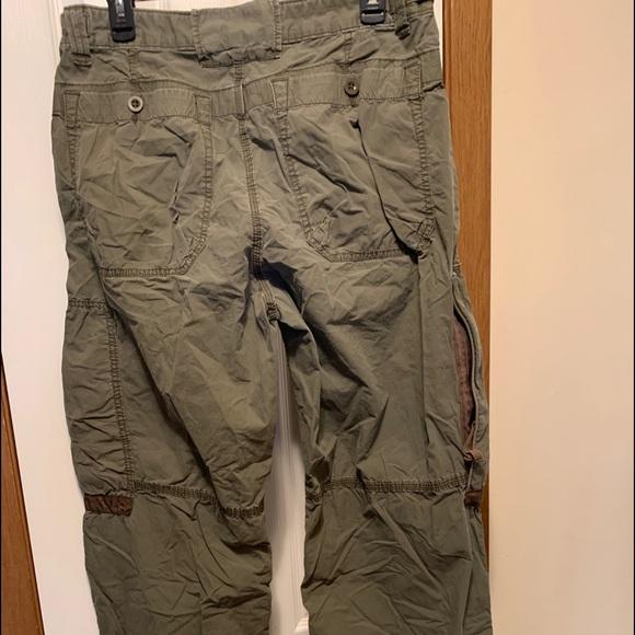 Like new men's gray cargo pants size 32/34